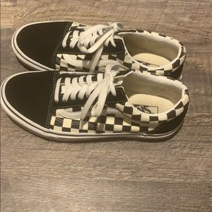 Tie up black and white checkered vans